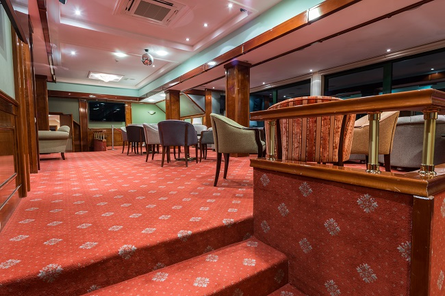 Dry Carpet Cleaning for Your Commercial Carpet